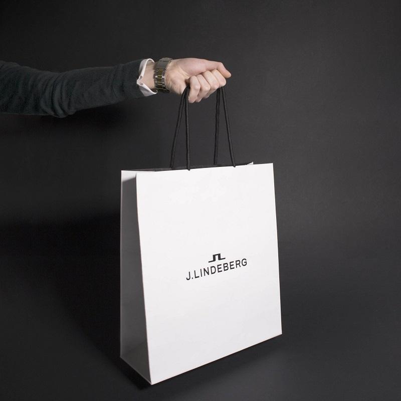 in túi giấy bán hàng, In Alpha - Xưởng in uy tín, chất lượng, chuyên nghiệp tại Hà Nội
