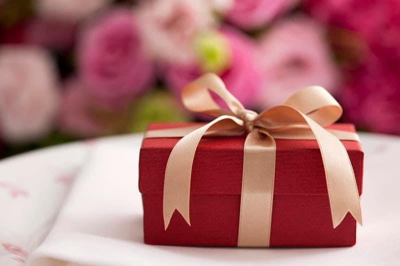 Chọn quà tặng nhân viên văn phòng